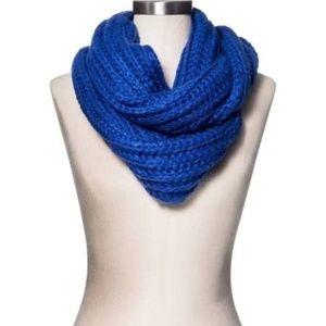 NEW Cobalt Blue Chunky Knit Infinity Scarf NWT